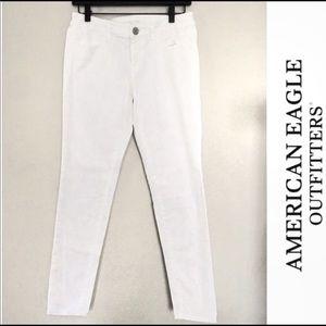 AE white jeggings